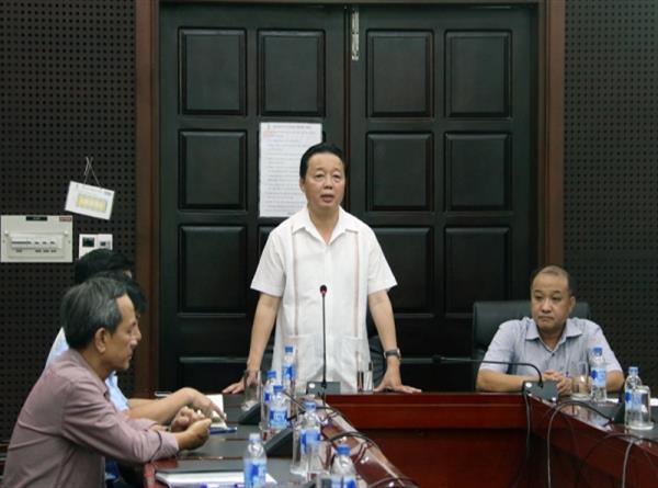 Bộ trưởng Trần Hồng Hà đến thăm và làm việc tại Sở TN&MT Đà Nẵng