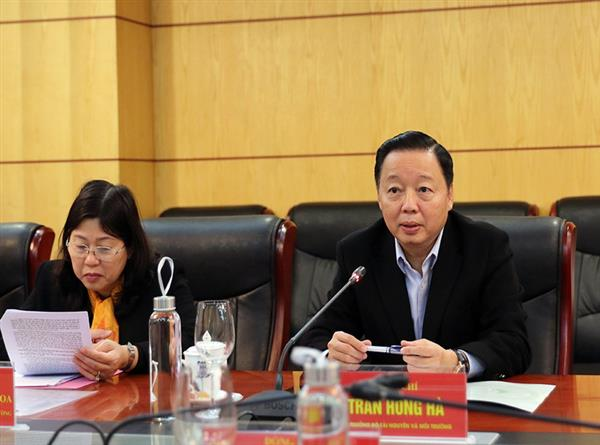 Bộ Tài nguyên và Môi trường tháo gỡ khó khăn về lĩnh vực tài nguyên và môi trường trên địa bàn tỉnh Sơn La