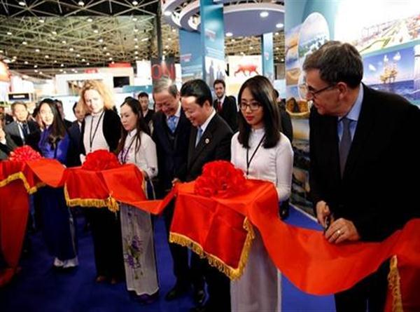Bài phát biểu của Bộ trưởng Trần Hồng Hà khai trương khu triển lãm của Việt Nam tại Pollutec 2016